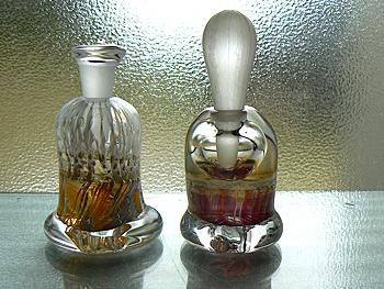 枝垂れ香水瓶